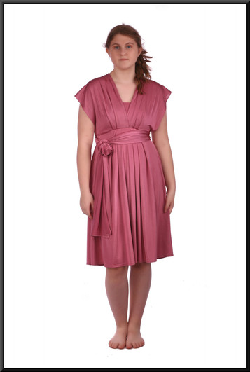 """Knee length very lightweight stretch satin cocktail dress with multi-variable sashes, size 12. Model height 5'7"""""""