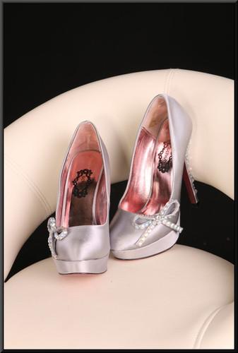 Ladies' silver stiletto evening shoes (EU 37) size 5