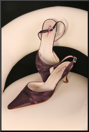 Ladies' dark maroon winkle-picker sandals with heel strap, size not marked (size 6?) by Rainbow Club