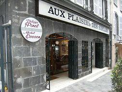Devanture boutique Aux Plairs des Siècles - Meubles COSSON 41 rue du Port 63000 Clermont-Fd