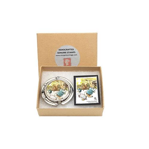 Peter Rabbit, Beatrix Potter 1979 Stamp Handbag Hook