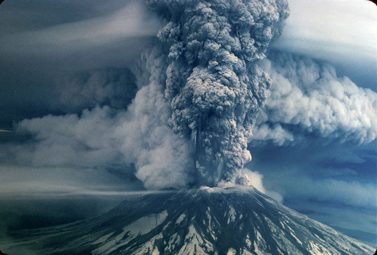 mt st helens eruption.jpg