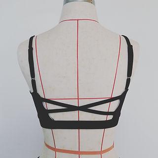 women cross back bra