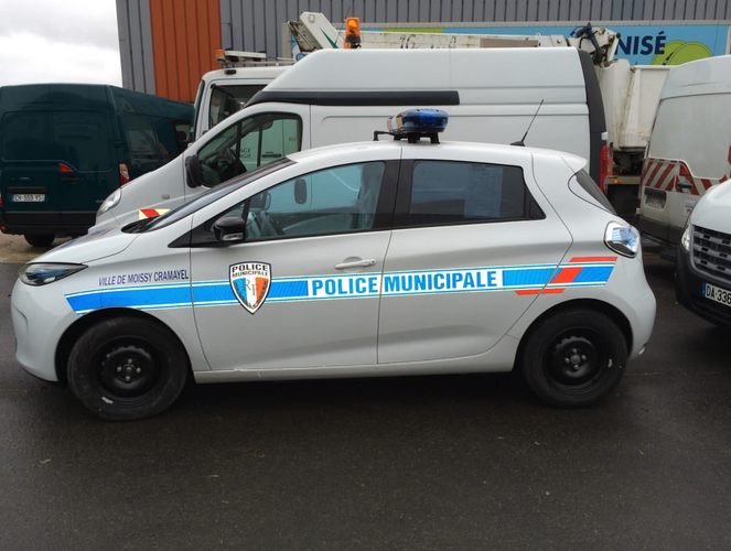 Véhicule police