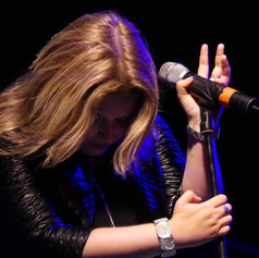 laura singing 7.jpg