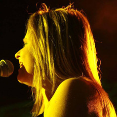 laura singing 15.jpg