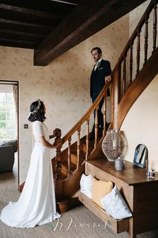 La mariée attend son cher et tendre..