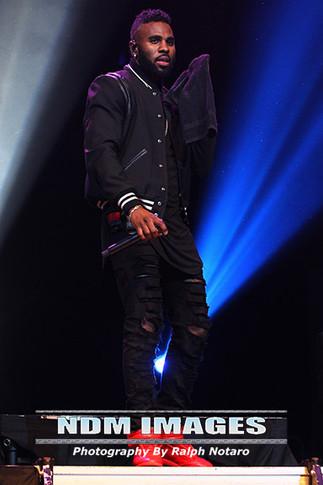 Jason Derulo performs at Hard Rock Live in Hollywood Florida