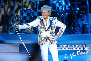 Rod Stewart performs at Hard Rock Live during Opening Night of the 2017 Tour