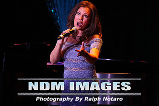 Vanessa Williams performs at Parker Playhouse in Ft Lauderdale