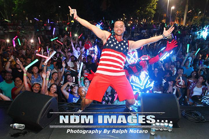 Ralph Notaro07042015Hard Rock fourth Celebration148.jpg