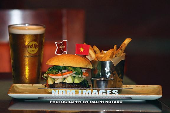 RalphNotaro02052015HRCafe Burgers142.jpg