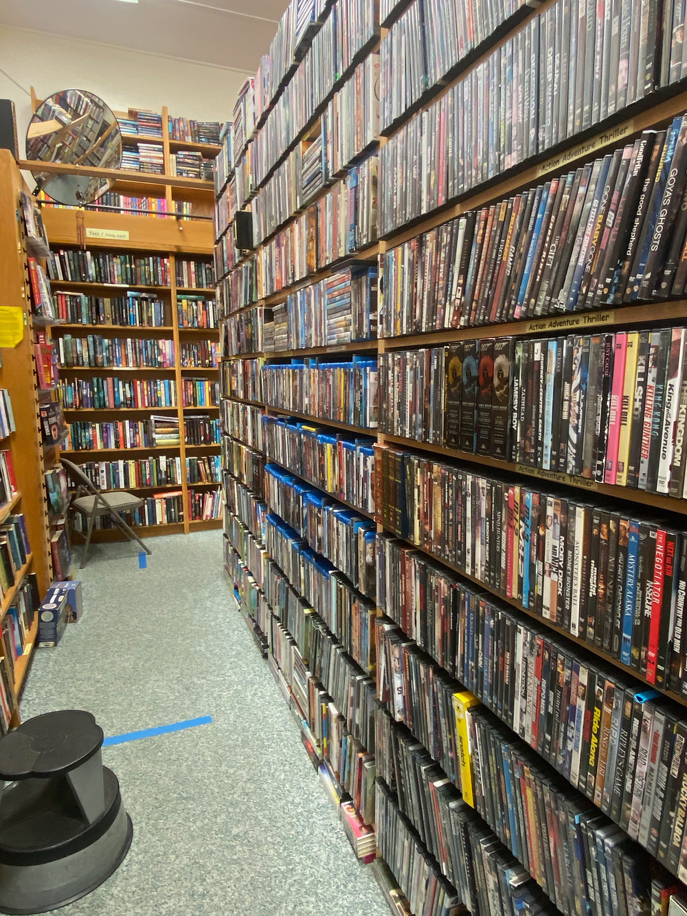 cool bookstores to visit on hawaii big island hilo big island book buyers