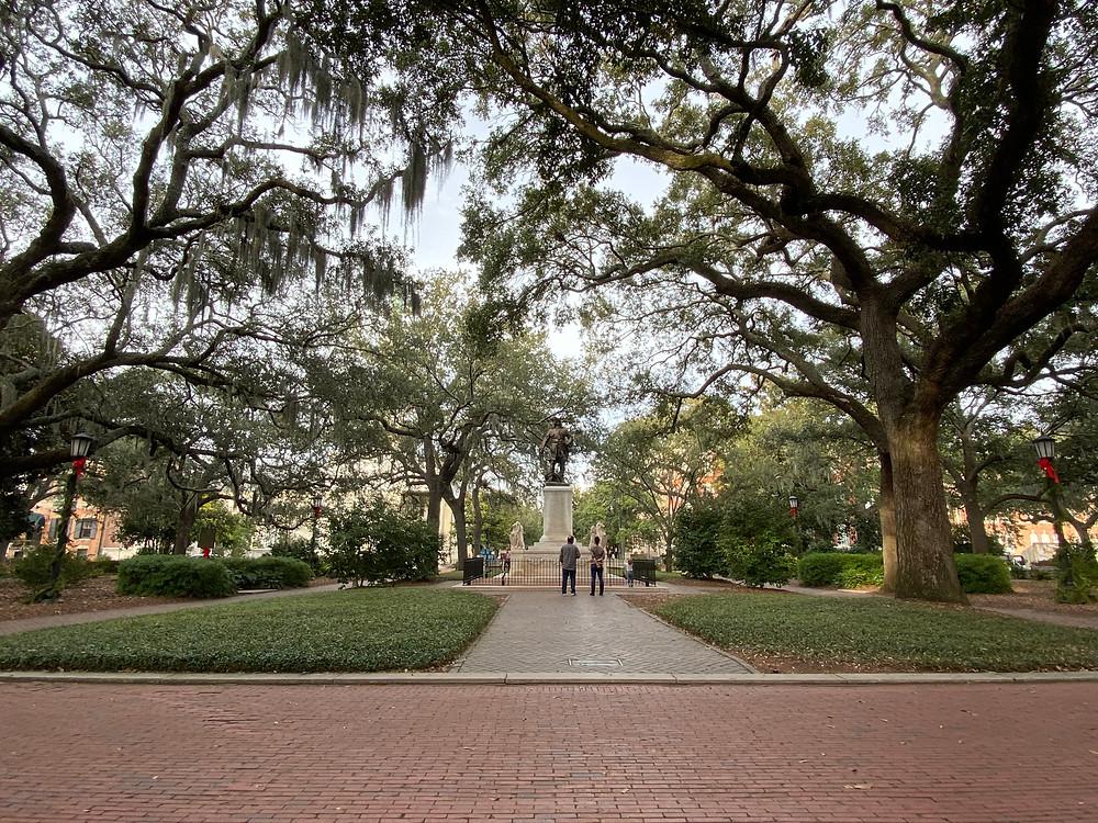 Forrest Gump bench scene where in Savannah Chippewa Square literary sites in Savannah