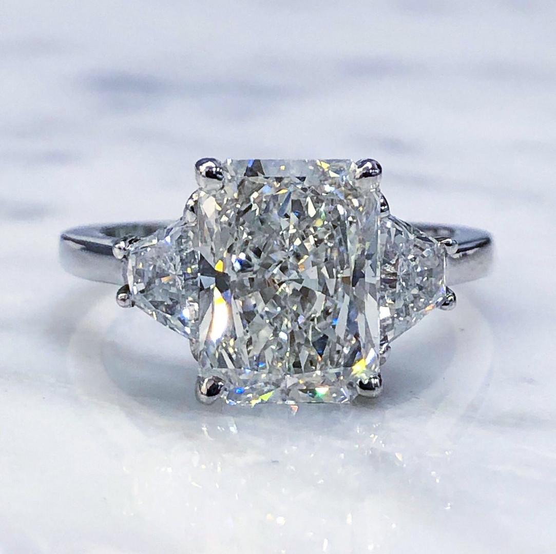 2.91 Carats Radiant Diamond Engagement Ring