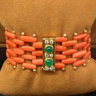Very Fine Vintage Coral 18 Karat Gold, Emerald and Diamond Bracelet by Carvin French