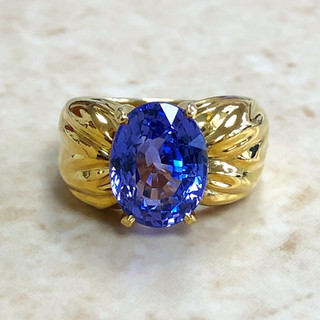 Vintage 5.99 Carats Untreated Oval Sapphire Ring By Carvin French
