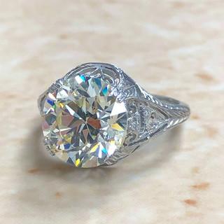 Antique 4.30 Carats Diamond Ring