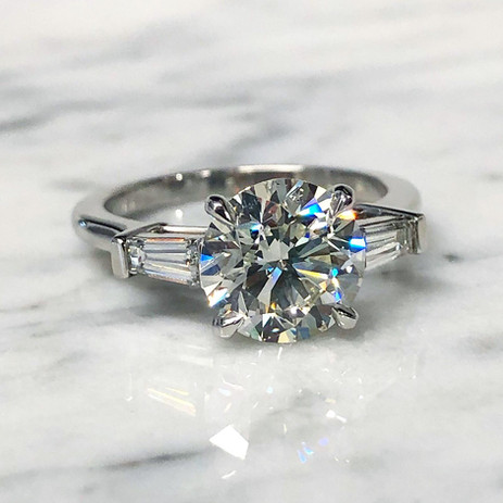 Round Diamond Engagement Ring With Baguettes