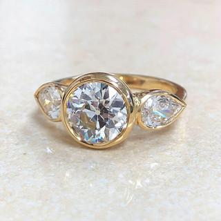 2.09 Carats Diamond Engagement Ring