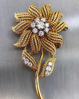 Vintage 18 Karat Gold and Diamond Brooch by Carvin French