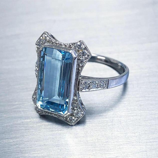 3.35 Carats Aquamarine Ring