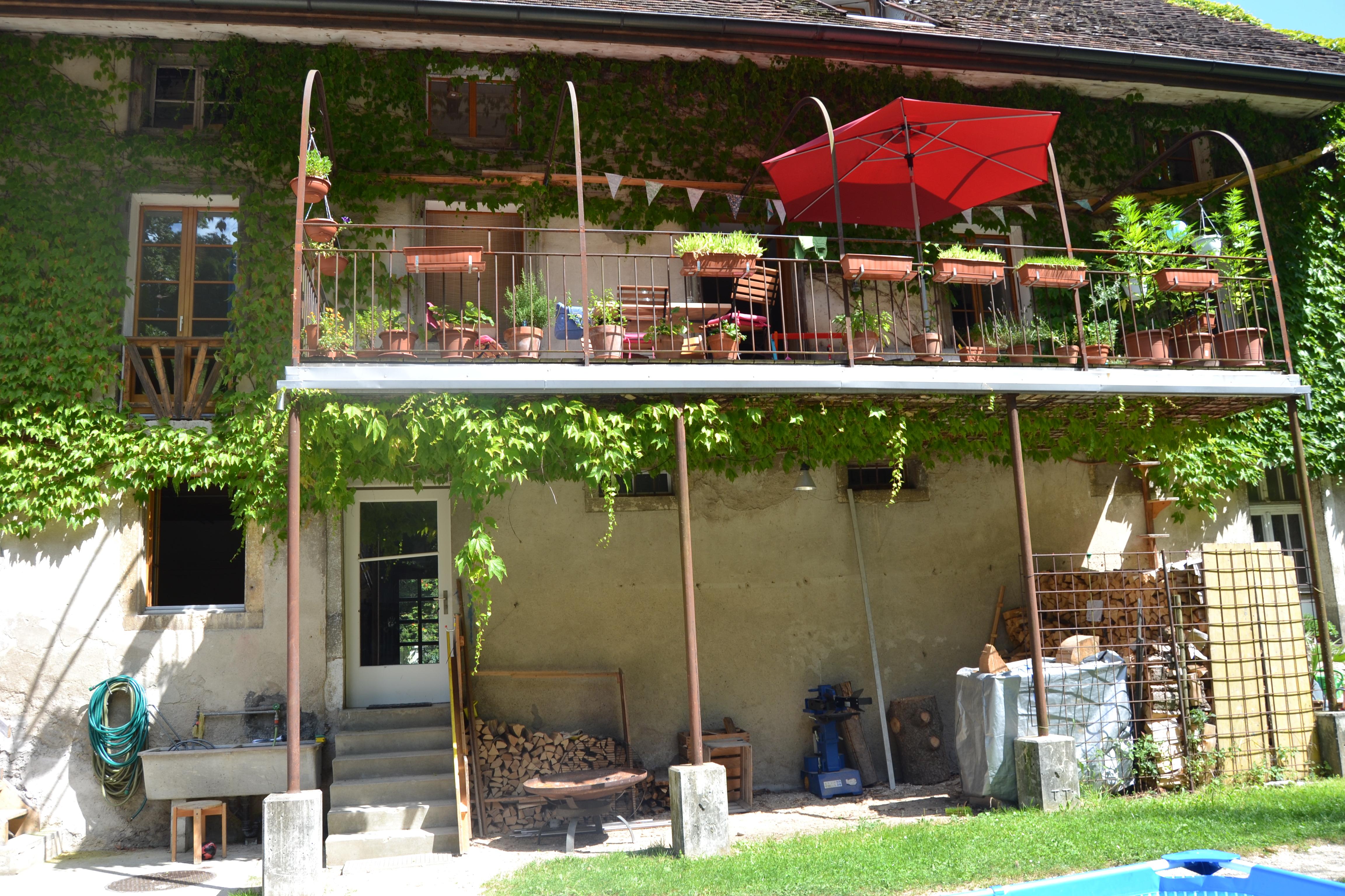 Holzbeige / Balkon