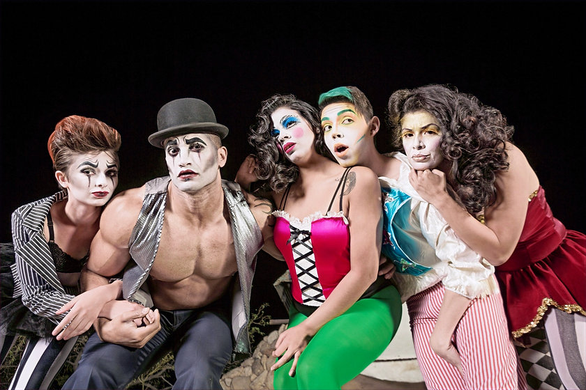 Five%2520serious%2520cirque%2520clowns%2520on%2520theater%2520stage_edited_edited.jpg