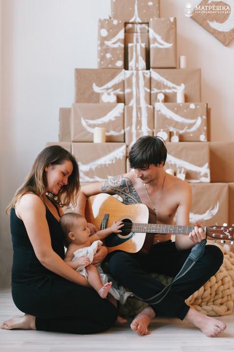 Семейная фотосъёмка в студии