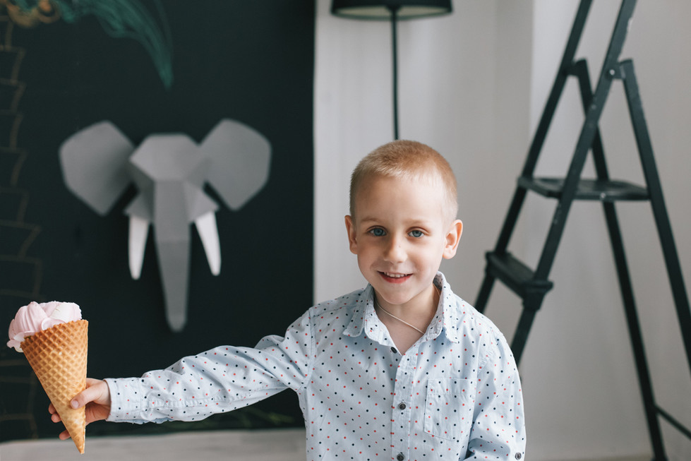 Семейная фотосессия с ребёнком в студии