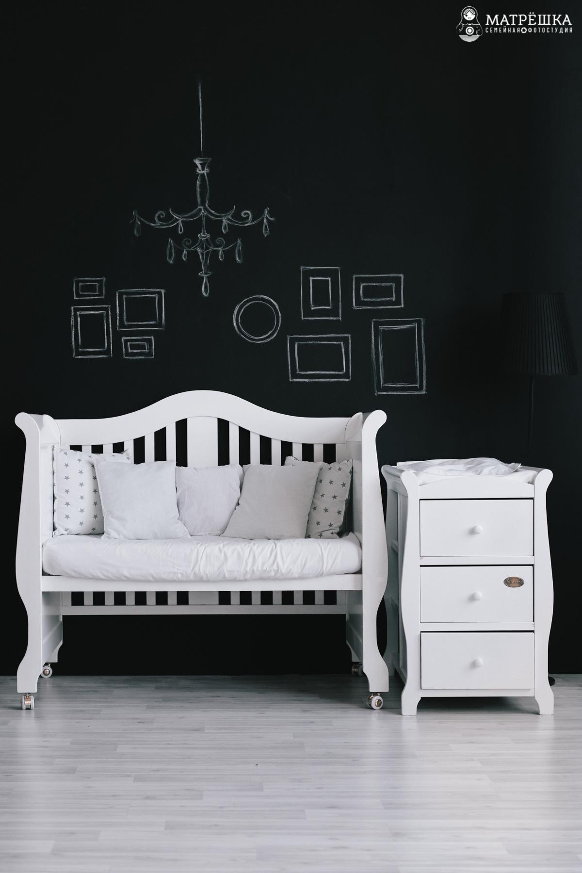 фотостудия с детской кроваткой