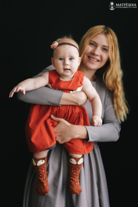 Профессиональная семейная фотосъёмка с детьми в студии