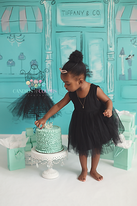 Candids & Colors Photography Cake Smash | What to wear