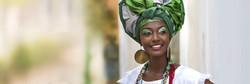 Femme sénégalaise avec un foulard vert