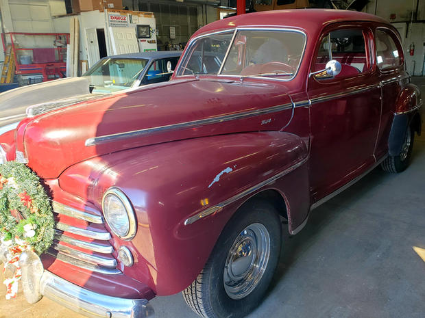 Overton_1948 Ford Deluxe