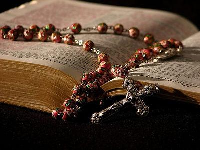 HD-wallpaper-prayer-book-binle-rosary.jpg