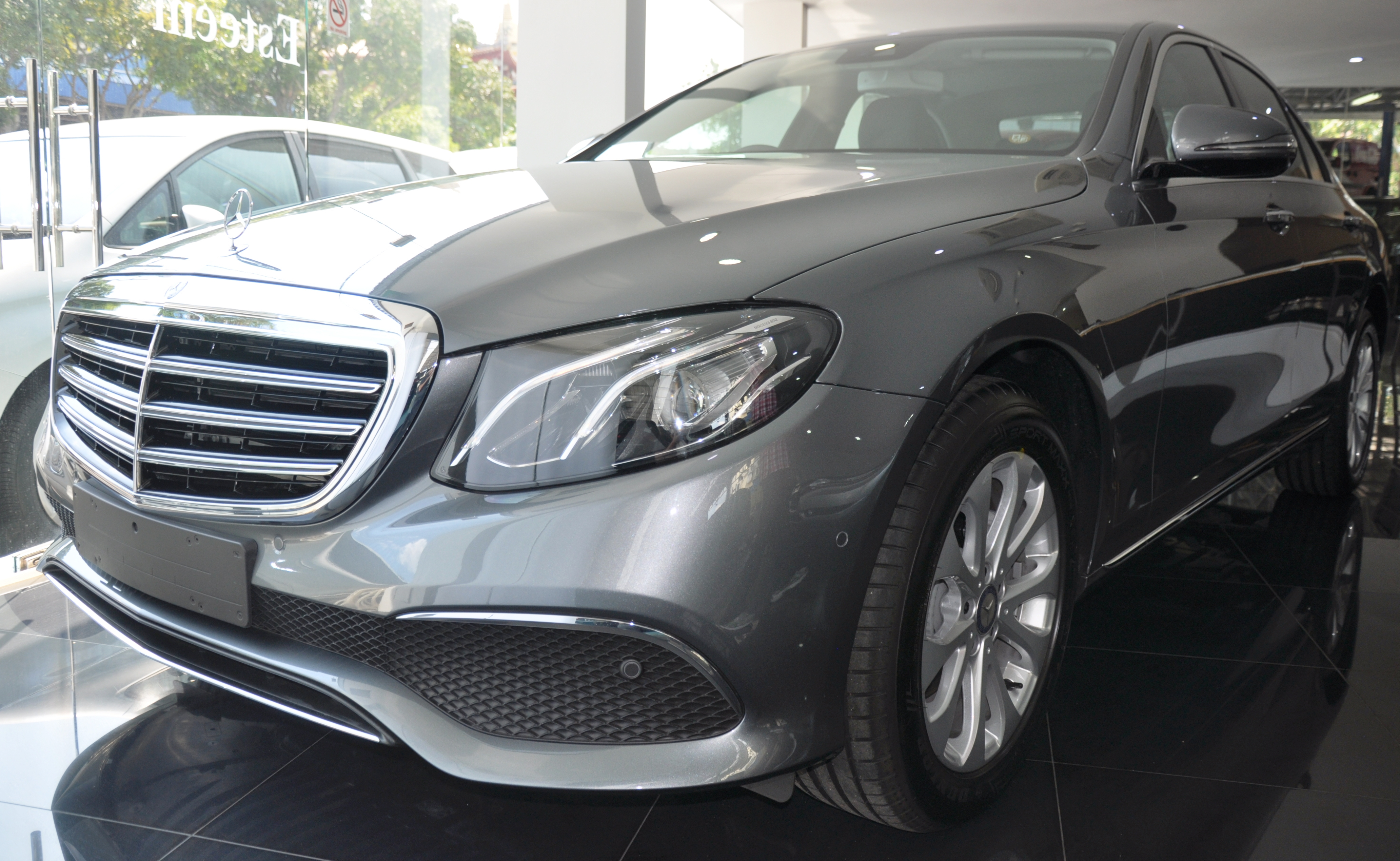 Mercedes-Benz E-Class Exclusive