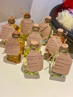 £10 Essential oils