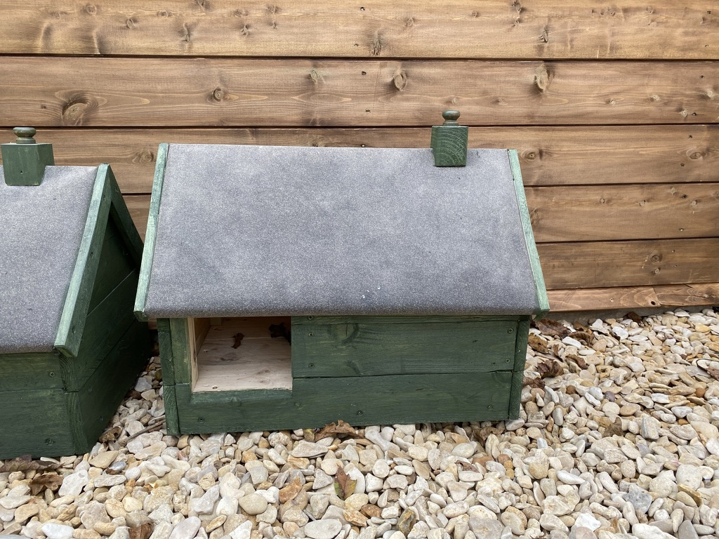 £30 Small Hog House