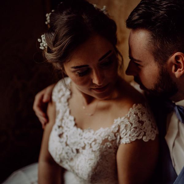 Brautpaar verliebt dunkel