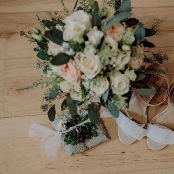 Brautstrauß und Gesteck