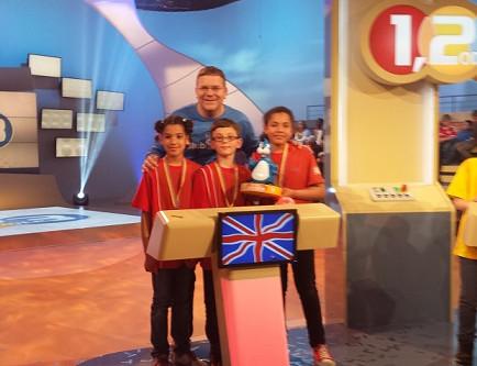 "German Saturday School Croydon wins TV show ""1, 2 oder 3""!"