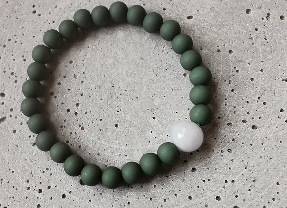 Bistro Green with Pale Blue Agate