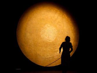 """""""In the blink of an eye"""". Wandertheater TonUndKirschen"""