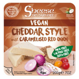 Queso Vegano Sheese Estilo Cheddar con Cebolla Roja Caramelizada