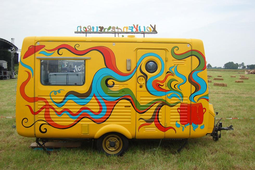 Keukengebeuren  painted mobile kitchen  paint  2013
