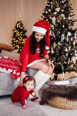 christmas-studio-photoshoot-30.jpg