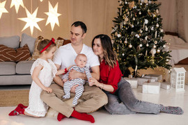 christmas-family-photoshoot-budapest-2.j