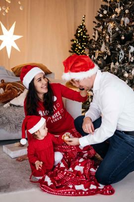 christmas-studio-photoshoot-32.jpg