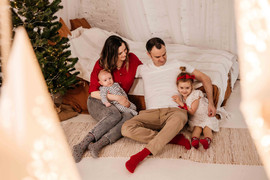 christmas-family-photoshoot-budapest-6.j